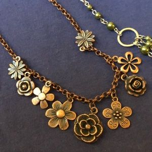 paparazzi Jewelry - Flower green paparazzi sets, NWT super cute spring